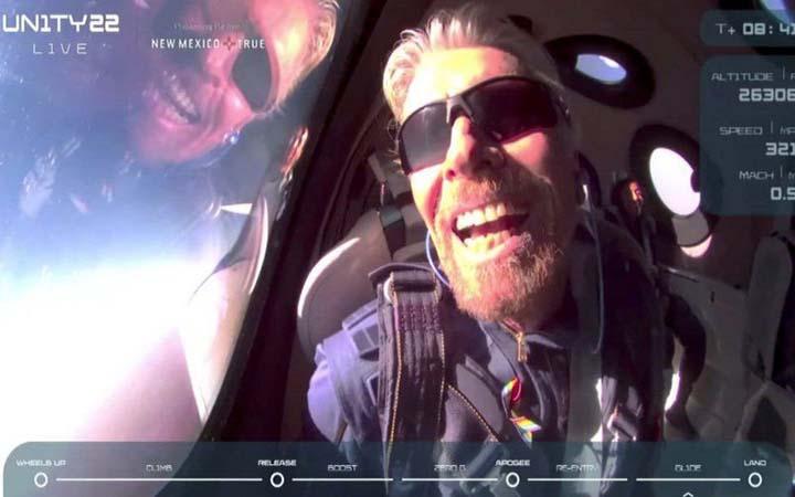 নিজের মহাকাশযানে সফল ভ্রমণ, পৃথিবীতে ফিরলেন ব্র্যানসন