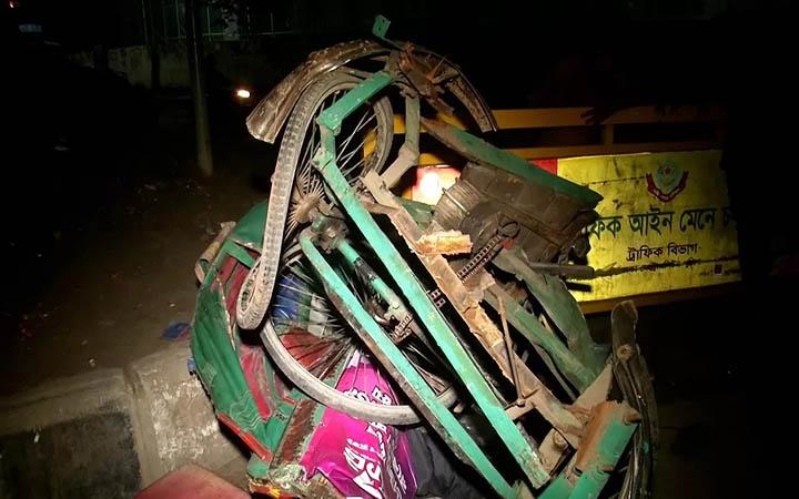 কারওয়ান বাজারে ট্রাক চাপায় রিকশাচালক নিহত