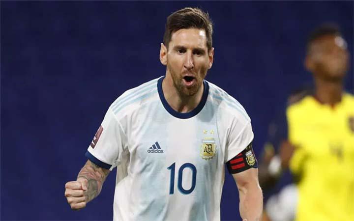 'সর্বকালের সেরা ফুটবলার মেসি'