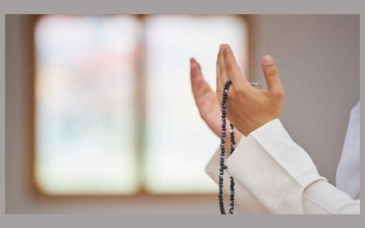 মুসলিম ভাইয়ের জন্য অনুপস্থিতিতে দোয়া করলে কবুল হয়