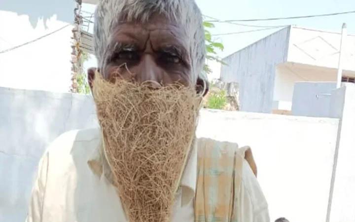মাস্ক কেনার টাকা নেই, বাবুই পাখির বাসা পরে সরকারি অফিসে হাজির পশুপালক