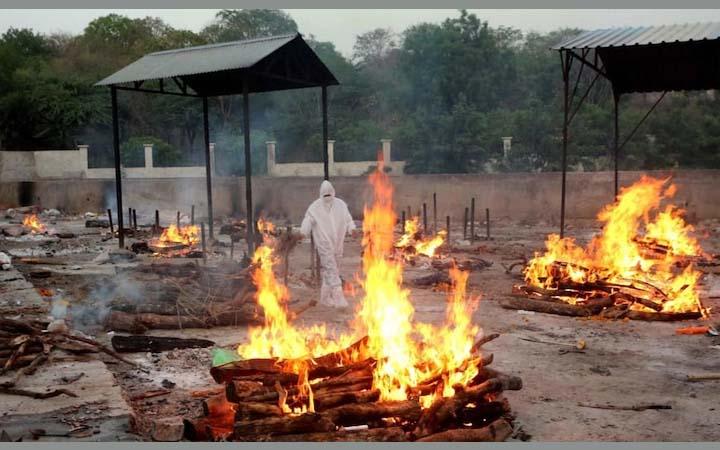 ভারতে করোনায় মৃত্যু এক দিনে ৩ হাজারের ছাড়াল, সংক্রমণ ৪ লাখের কাছাকাছি