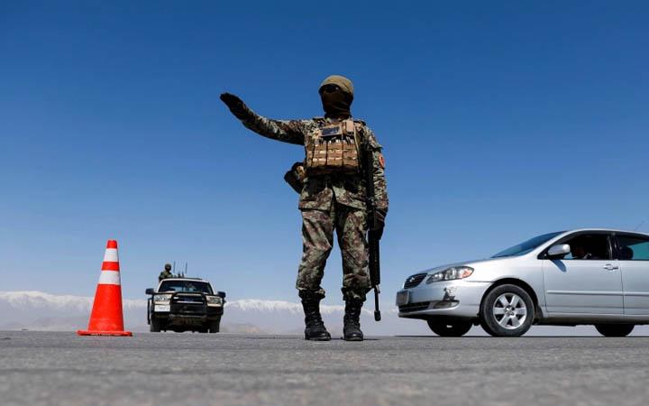 আফগানিস্তানে সিরিজ বোমা হামল: নিহত ১০