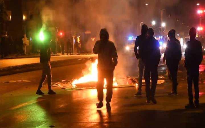 সুইডেনে আল-কুরআনের অবমাননা: প্রতিবাদে রাস্তায় শত শত মানুষ