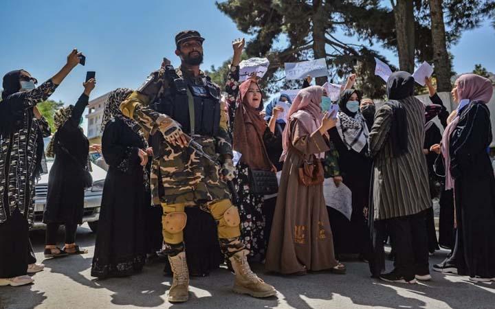 আফগানিস্তানে নারীবিষয়ক মন্ত্রণালয় ভেঙে দেয়া হয়েছে