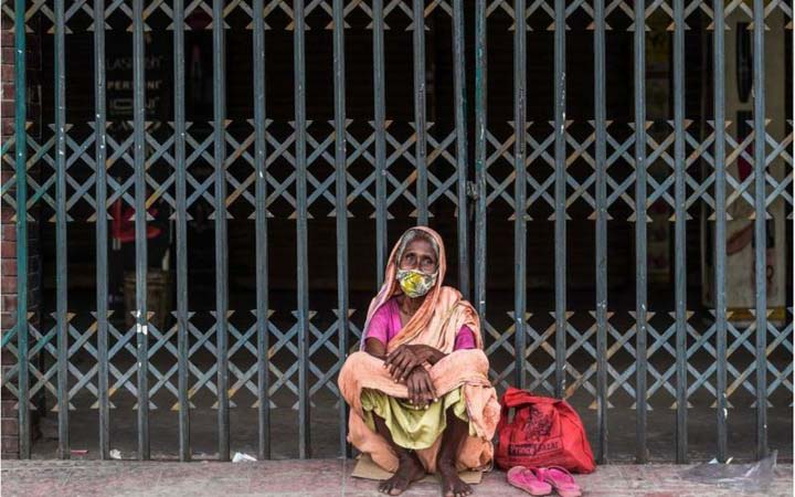 নওগাঁর একাংশে সর্বাত্মক 'লকডাউন', খুলনায় 'কঠোর বিধিনিষেধ'